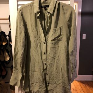 BANANA REPUBLIC XS SILK button down blouse